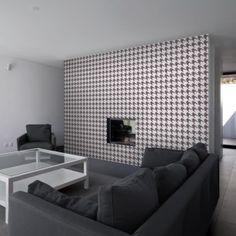 Houndstooth wallpaper, Het ouderwetse 'pied de poule' patroon is weer hip dit najaar | roomed.nl