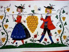 Vintage Austrian Folk Print / Printed Placemat and Napkin / Bavarian Dutch European Folk Style / Crafters Special. €5.00, via Etsy.