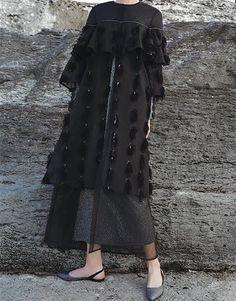 Modern Hijab Fashion, Abaya Fashion, Muslim Fashion, Fashion Dresses, Kebaya Dress, Dress Pesta, Kebaya Hijab, Modest Dresses, Modest Outfits