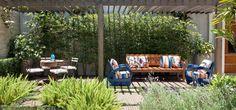 costela de adão paisagismo - Pesquisa Google Clusia, Pergola Garden, Backyard, Privacy Trellis, Gazebos, Outdoor Spaces, Outdoor Decor, Outdoor Landscaping, Garden Inspiration
