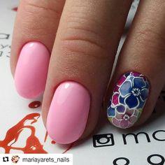 #Repost @mariayarets_nails (@get_repost) ・・・ 3D слайдеры от Fashion Nails  яркие, об'емные, пластичные Уже на сайте www.fashionnails-shop.ru и  в нашей группе ВК http://vk.com/club_fashionnails  ОБ'ЕМНАЯ 3D печать. ☝Нанесите слой базы для гель лака. ✌Нанесите любой цвет гель лака. Покройте слоем топа для гель лака, рекомендуемого для слайдеров. Липкий слой не снимаем. ✌✌Вырежьте изображение, Подходящее по размеру. Размачиваем слайдер на ватном диске, пропитанном т...