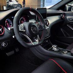 Mercedes-Benz CLA 45 AMG (Instagram @comomercedesamg)