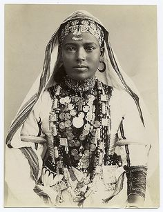 Portrait of an Egyptian woman in ceremonial dress, circa late Century. Egyptian Women, Egyptian Lady, Egyptian Fashion, Egyptian Mummies, Christian Girls, Tribal Dress, People Of The World, African History, World Cultures