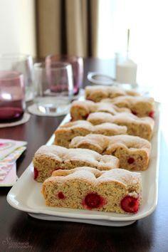 Sünis kanál: Meggyes-diós piskóta Krispie Treats, Rice Krispies, Pound Cake, Dios, Crack Cake, Pound Cakes, Rice Krispie Treats, Sponge Cake