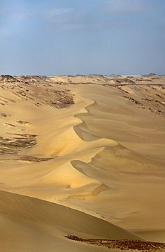 The White Desert of Egypt is truly a landscape that is one of the wonders of the world. Panorama photographs of the surreal rock formations. Deserts Of The World, Rock Formations, Luxor, Sands, Cairo, Ancient Egypt, Wonders Of The World, Egyptian, Africa