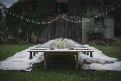 Stylish outdoor dinner in Tennessee