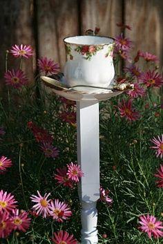 DIY:  Pink Roses Tea Cup Birdfeeder.....find vintage teacup sets and spoosn at thrift shops!