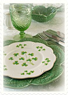 St.Patricks Day Tablescape, I used Bordallo cabbage bowls and dinner plates and the clover salad plates that I found last year at the Christ...