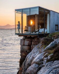 Access Cabin Plans and Tiny House Plans with Cad Design Videos Blueprints all in one Package Check Our website. Location Airbnb, Scandi Living, Casas Containers, Island Resort, Home Fashion, Travel Fashion, Classy Fashion, Best Hotels, Exterior Design