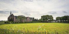 Klooster in Sint Agatha bij Cuijk Landing, Vineyard, Mansions, House Styles, Outdoor, Outdoors, Manor Houses, Vine Yard, Villas