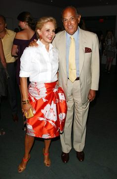 Carolina Herrera Knee Length Skirt - Carolina Herrera spruced up her basic white shirt with a bright orange floral skirt at the screening of 'The September Issue. Ch Carolina Herrera, Vestidos Carolina Herrera, Classic Outfits, Chic Outfits, Fashion Outfits, Fashion Trends, Womens Fashion, Milan Fashion Weeks, New York Fashion