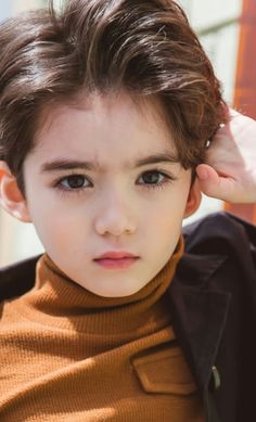 Pin by Pirah Mughal on Cute kids photography Cute Asian Babies, Korean Babies, Asian Kids, Cute Babies, Cute Kids Pics, Cute Baby Girl Pictures, Cute Little Boys, Cute Boys, Handsome Kids