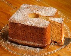 fonte: CasaVogue.com   Saia do convencional....faça um bolo quadrado.  Que nossa semana seja diferente.