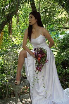classic wedding bouquet #wedding #bouquet #timobolte #bride #workshop #taipei #orchids Bouquet Wedding, Wedding Dresses, Taipei, Orchids, Workshop, Bride, Classic, Bride Dresses, Wedding Bride