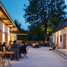 Innenhof / ©Archiv Panzenböck Outdoor Decor, Restaurants, Hotels, Home Decor, Indoor Courtyard, Archive, Architecture, Lawn And Garden, Decoration Home