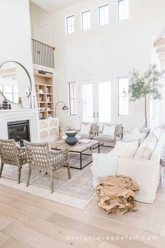 Home Living Room, Living Room Designs, Living Room Decor, Living Room Inspiration, Home Decor Inspiration, Decor Ideas, Family Room Design, Family Rooms, Home Interior Design