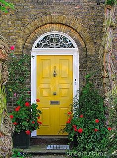 Front Door Paint Colors - Want a quick makeover? Paint your front door a different color. Here a pretty front door color ideas to improve your home's curb appeal and add more style! Best Front Door Colors, Yellow Front Doors, Best Front Doors, Front Door Paint Colors, Painted Front Doors, Front Door Design, The Doors, Windows And Doors, Beautiful Front Doors