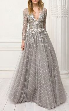 Get inspired and discover Jenny Packham trunkshow! Shop the latest Jenny Packham collection at Moda Operandi. Silver Wedding Gowns, Silver Evening Gowns, Silver Gown, Evening Dresses, Prom Dresses, Silver Sequin, Metallic, Jenny Packham, Vestidos Vintage
