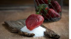 Want to eat something sweet 🍬? Eat a Are you guilty of reaching for the sweet stuff first? No Sugar Diet, Ate Too Much, Anti Inflammatory Diet, Strawberry Desserts, Forever Living Products, Something Sweet, Recipe Collection, Cravings, Nutrition