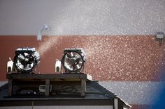 Effectspecialist® Special Effect artificial Snow Machines setup : Fake snow machine rental systems : Snowmasters Evaporative Snow Machine Effects rental installing: Snow Flurries effects designs: Snow Generating machines Systems : Blizzard Snowstorms machine best placement: realistic simulated snow machines snow zone in Florida
