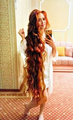 Rapunzel did you dye your hair! - full hair -You can find Rapunzel and more on our website.Rapunzel did you dye your hair! Long Red Hair, Full Hair, Super Long Hair, Brown Hair, Black Hair, Beautiful Red Hair, Beautiful Women, Corte Y Color, Girl Hairstyles