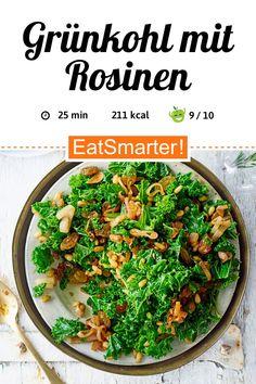 Grünkohl mit Rosinen  | eatsmarter.de Superfood, Low Carb, Nutrition, Beef, Eat Smarter, Ethnic Recipes, Autumn, Kale Recipes, Delicious Vegan Recipes