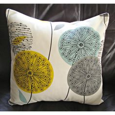 Styles: soft yellow throw pillows for cute bedroom decor ideas Yellow Throw Pillows, Yellow Cushions, Cushions On Sofa, Accent Pillows, New Blue, Blue Grey, Yellow Room Decor, Cute Bedroom Decor, Bedroom Ideas