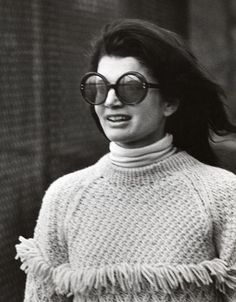 Jackie Kennedy Onassis during Jackie Onassis and Ari Onassis Sighting At Le Cote Basque - October 1969 at La Cote Basque Restaurant in New York City, New York, United States. Get premium, high resolution news photos at Getty Images Jacqueline Kennedy Onassis, Estilo Jackie Kennedy, Les Kennedy, Jaqueline Kennedy, Caroline Kennedy, Jackie O Sunglasses, Round Sunglasses, Aristotle Onassis, Fringe Sweater