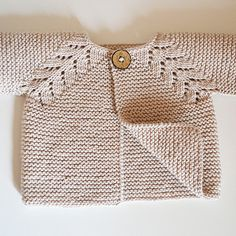 Pattern has just been released... a classic design, simple leaf pattern adorns the front borders, knit in one piece seamlessly from the top down, whoch means no seaming!!. This little cardi is sure to become your go-to knit for babies. Would be perfect for baby to wear on cool summer nights  and  sunny autumn days. Pattern comes with a schematic and chart .