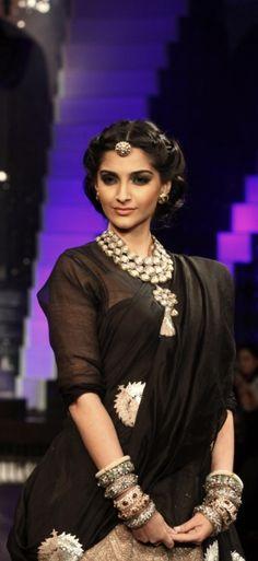 Sonam Kapoor #Bollywood #Fashion  Bollywood fashion, bollywood celebrities, #indianweddingsmag
