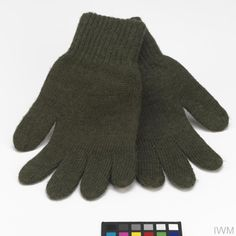 Gloves, knitted: British Army Physical description  Gloves Pair of knitted gloves made of olive green wool.  History note  The standard issue gloves of non-commissioned ranks of the British Army (Rifles regiments wore black).