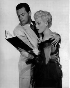 William Holden and Judy Holliday in Born Yesterday, 1950 Golden Age Of Hollywood, Vintage Hollywood, Hollywood Stars, Classic Hollywood, Hollywood Couples, Hollywood Cinema, Vintage Vogue, Hollywood Actresses, Old Movies