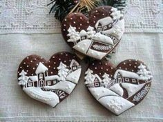 These Lebkuchen (gingerbread) cookie hearts are small works of art Fancy Cookies, Heart Cookies, Iced Cookies, Cute Cookies, Holiday Cookies, Cupcake Cookies, Chocolate Cookies, Sugar Cookies, Baking Chocolate
