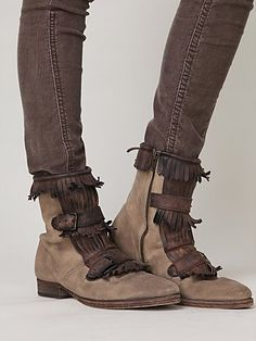 dont know if i could pull them off but love these boots
