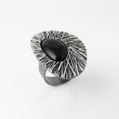 $52,00 Ring Aldara in sterling silver and jet · Anillo Aldara en plata de ley y azabache