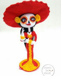 Catrina amigurumi Kawaii Crochet, Crochet Dolls, Crochet Hats, Knit Crochet, Doll Patterns, Crochet Patterns, Crochet Monsters, Crochet Dragon, Yarn Inspiration