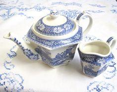 Vintage Sadler Teapot and Milk Jug for One by TheWhistlingMan