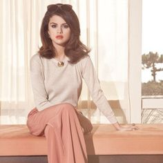 Happy birthday To my beauty queen my lovely singer selena looking beautiful Selena Gomez Fashion, Selena Gomez Fotos, Selena Selena, Estilo Selena Gomez, Selena Gomez Pictures, Selena Gomez Style, Selena Gomez Outfits Casual, Selena Gomez Makeup, Alex Russo