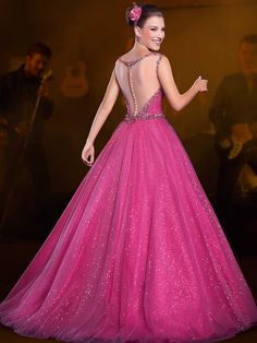 This site contains information about birthday dresses. 15 Birthday Dresses, Top Y Pollera, 15 Dresses, Formal Dresses, 15th Birthday, Under Armour, Womens Fashion For Work, Fashion Over, Ball Gowns