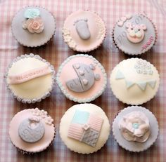 Baby shower cupcakes  Bautizo cupcakes