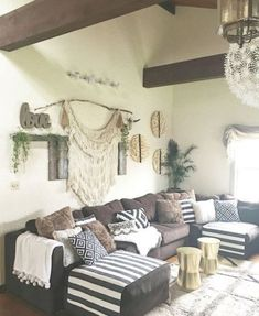 nice 46 Wonderful Farmhouse Living Room Decor Design Ideas https://about-ruth.com/2018/05/27/46-wonderful-farmhouse-living-room-decor-design-ideas/