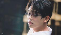 Chicago Typewriter off to a good start, Yoo Ah In rocks . Drama Korea, Korean Drama, Korean Men, Korean Actors, Beautiful Moon, Beautiful People, X Movies, Films, Yoo Ah In