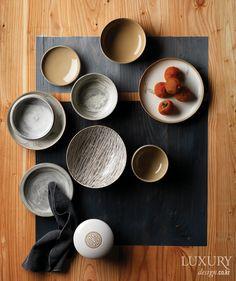 음식의 맛과 담음새에 품격을 더하는 전통 그릇 6가지 Ceramic Pottery, Pottery Art, Korean Tea, Zen Style, Prop Styling, Food Photography Styling, Food Packaging, Kitchen Interior, Restaurant Bar