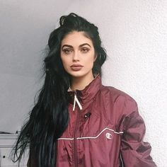Ginizzle | Gina Lorena Mastrolorito Beauty Makeup, Hair Makeup, Hair Beauty, Eye Makeup, Gina Lorena, Instagram Worthy, Face Hair, Tumblr Girls, Grunge Outfits