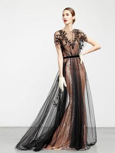 Abed Mahfouz Glamour Fall Winter Pret Porter Dresses 2015 Collection - The Fashion Watch, International Designers Fashion Shows, Models Abed Mahfouz, Cute Fashion, Look Fashion, Dress Fashion, Fashion Details, Fashion Photo, Fashion News, Runway Fashion, High Fashion