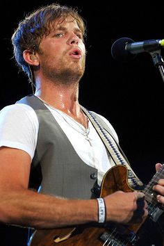 Caleb Followill of KINGS OF LEON. His face + his voice + his lyrics + his music = perfection