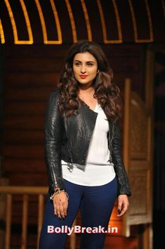 Bollywood actress Parineeti Chopra hot and sexy photo and wallpaper gallery. Top hot image of actress Parineeti Chopra. Bollywood Photos, Bollywood Actors, Bollywood Celebrities, Hot Actresses, Indian Actresses, Parneeti Chopra, Hollywood Actress Wallpaper, National Film Awards, Hollywood Heroines