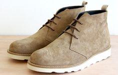 Brian Chukka Boot - Dust - £85