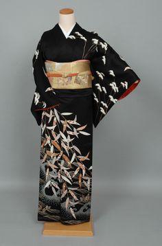 g-hm129b    #4725 Japanese Clothing, Japanese Outfits, Japanese Costume, Japanese Kimono, Chinese Dresses, Creative Costumes, Beautiful Costumes, Express Women, Nihon