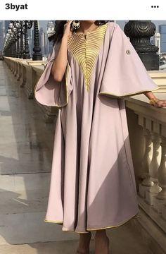 Robes relaxés Arab Fashion, Muslim Fashion, African Fashion, Daily Fashion, Unique Fashion, Fashion Design, Mode Abaya, Mode Hijab, Modesty Fashion
